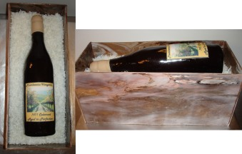 Cake wine bottle in box